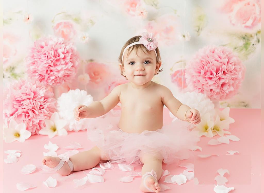 ژست عکس تولد کودک دخترانه