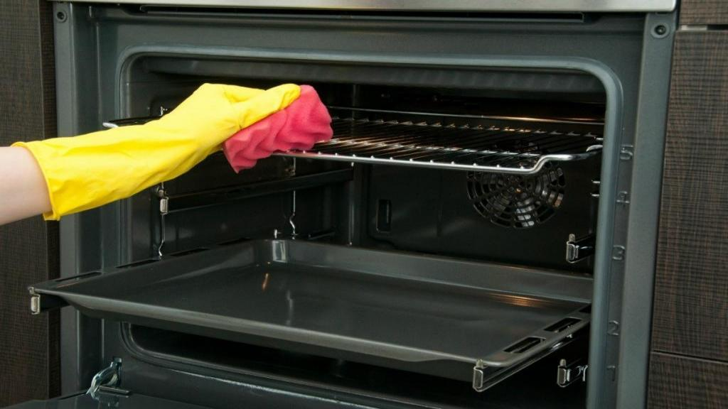 9 روش آسان و طبیعی برای تمیز کردن اجاق گاز کثیف و فر، بدون نیاز به تمیز کننده های شیمیایی