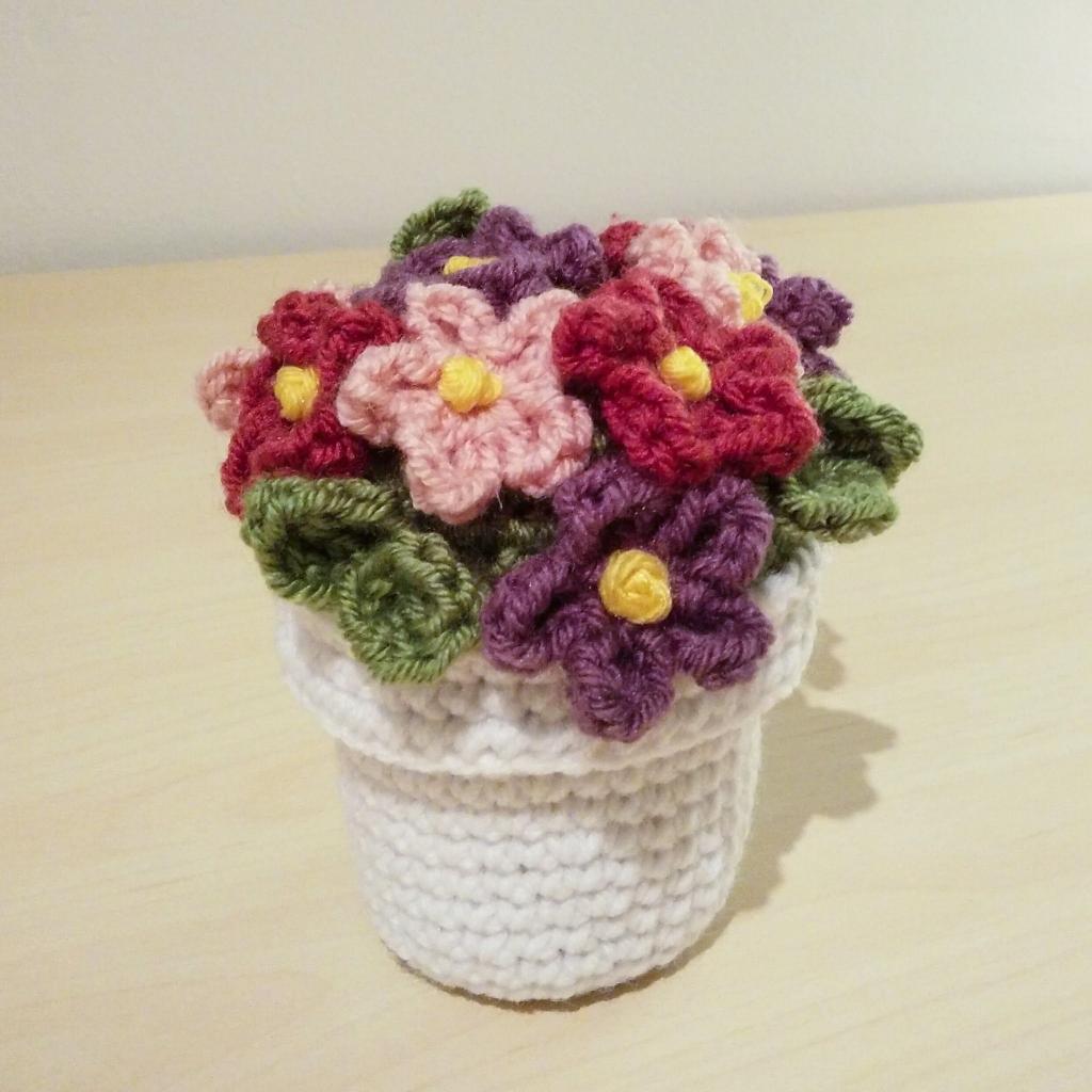 عکس گلدان بافتنی فانتزی