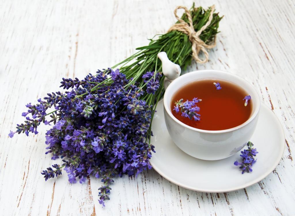خواص چای اسطوخودوس در بهبود کیفیت خواب