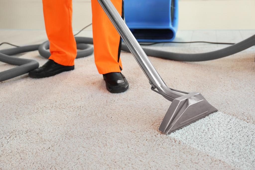 چگونه لاک ناخن را از روی فرش پاک کنیم