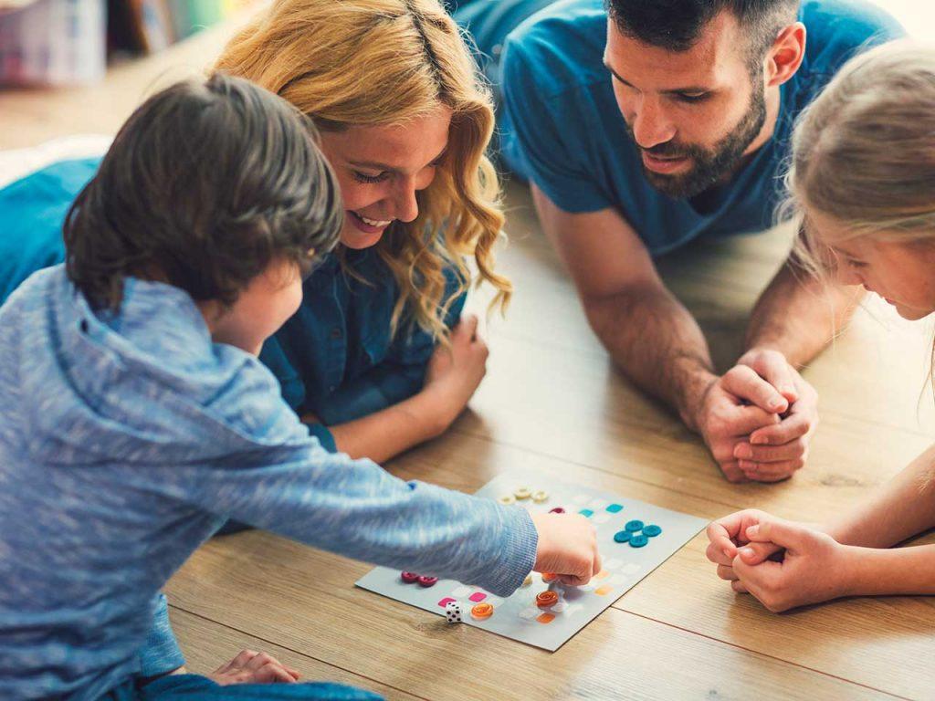 ساده ترین روش های برخورد با کودکان خجالتی
