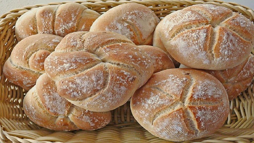طرز تهیه نان بروتچن (بروتشن) آلمانی خوشمزه و حجیم خانگی