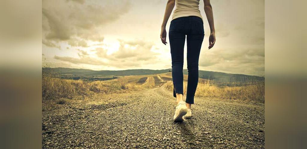 بهترین تمریناتی که باید در دوره عادت ماهانه انجام دهید