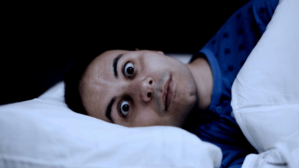 علت بی خوابی یا کم خوابی چیست و عوارض آن بر بدن و ذهن
