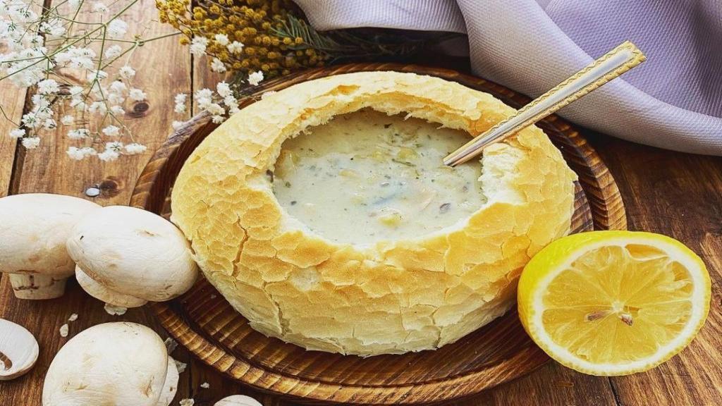 طرز تهیه سوپ خامه ای خانگی خوشمزه مجلسی با هویج و سیب زمینی