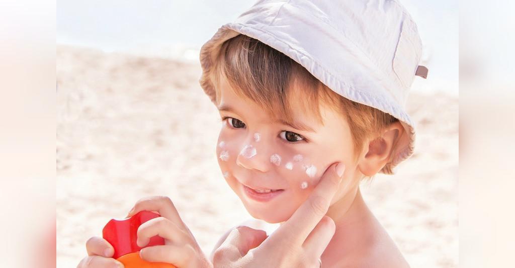 چگونه از آفتاب سوختگی پوست کودک جلوگیری کنیم