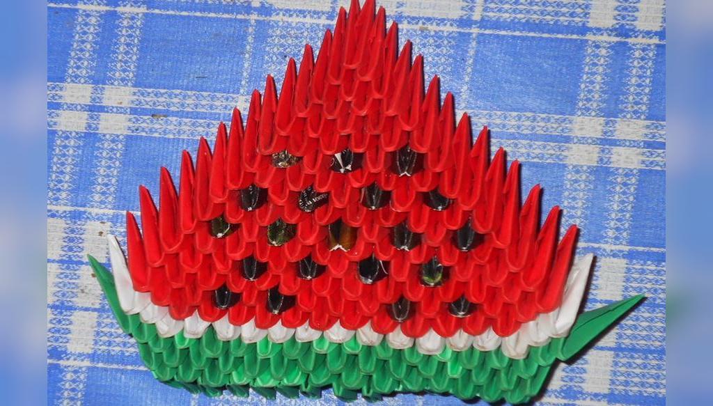عکس کاردستی اوریگامی هندوانه شب یلدا