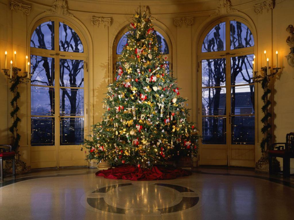 تزیین درخت کاج کریسمس مجلل و لاکچری