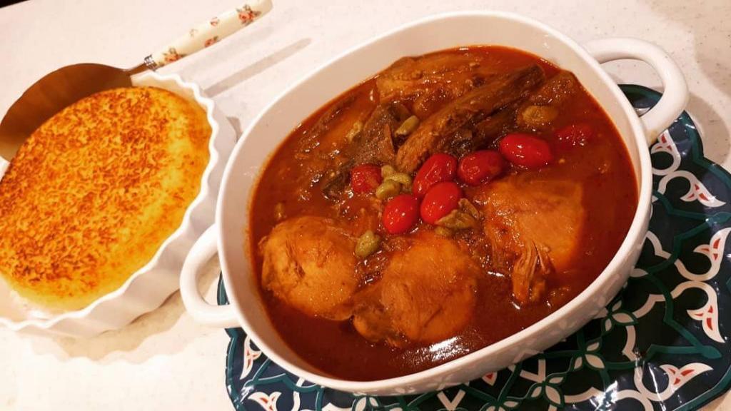 طرز تهیه خورشت مسمای بادمجان مجلسی و خوشمزه با مرغ و غوره