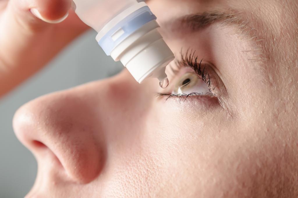 طریقه مصرف اشک مصنوعی