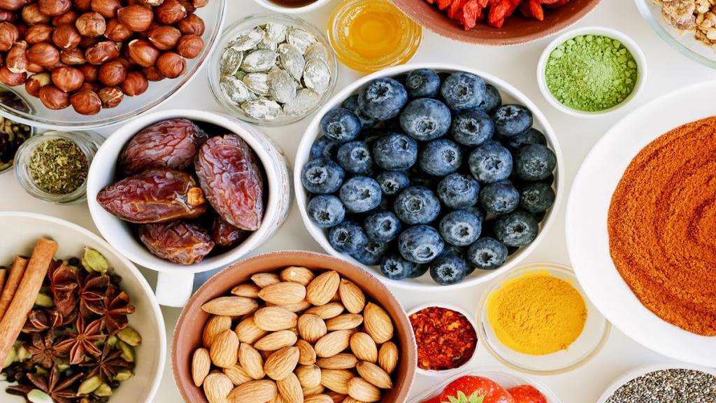 11 میوه سالم و پر کالری که به افزایش وزن تان کمک می کنند؛ میوه هایی که باعث چاقی می شوند
