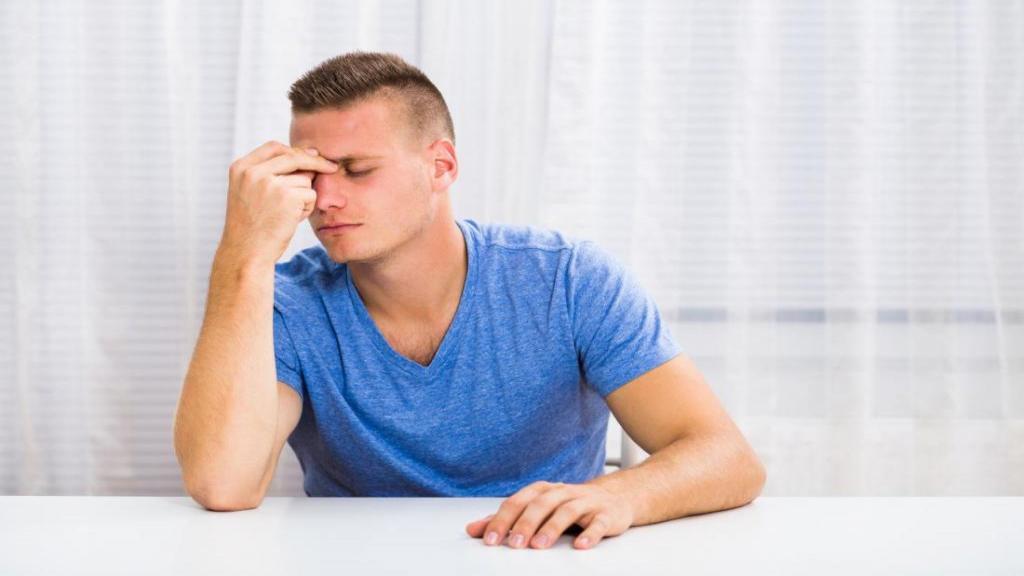سینوزیت؛ هر چه که شما باید در مورد عفونت سینوس بدانید (علائم، انواع و درمان های آن)