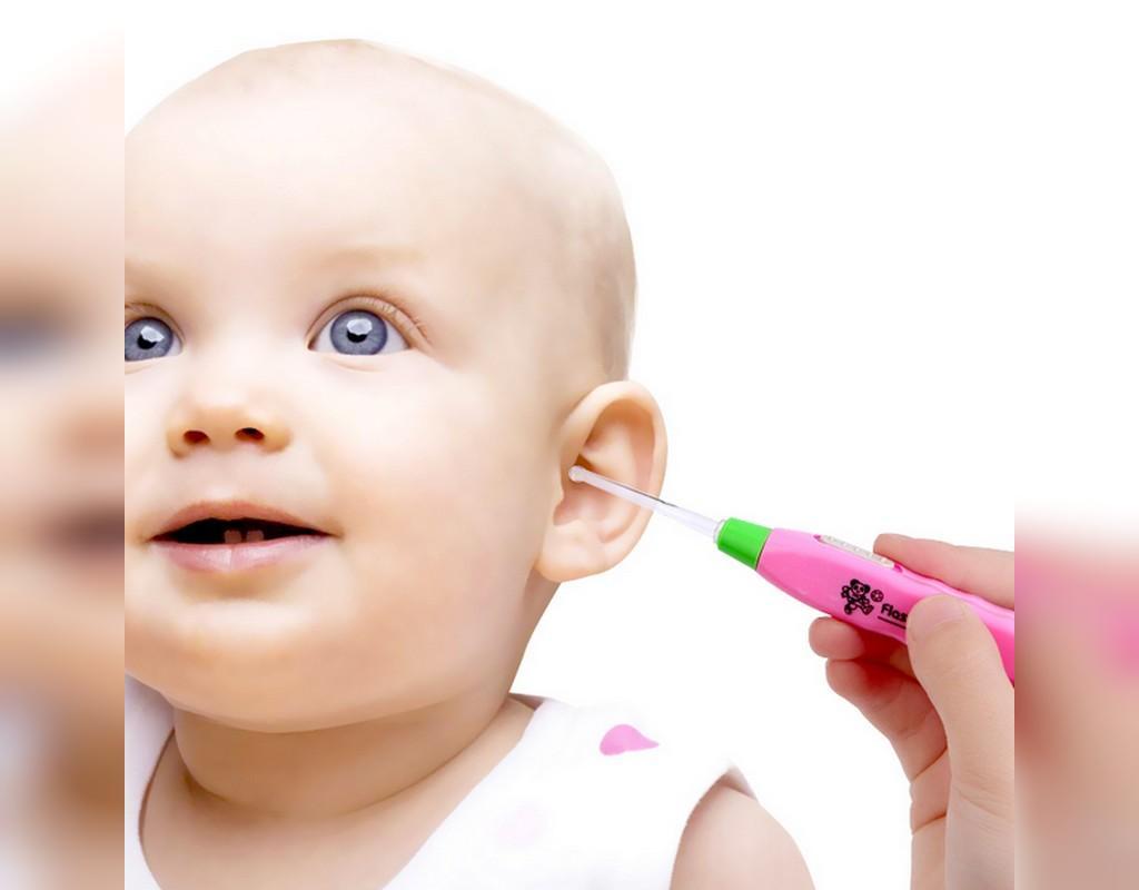 چگونه می توان موم اضافی در گوش کودکان را خارج کرد؟
