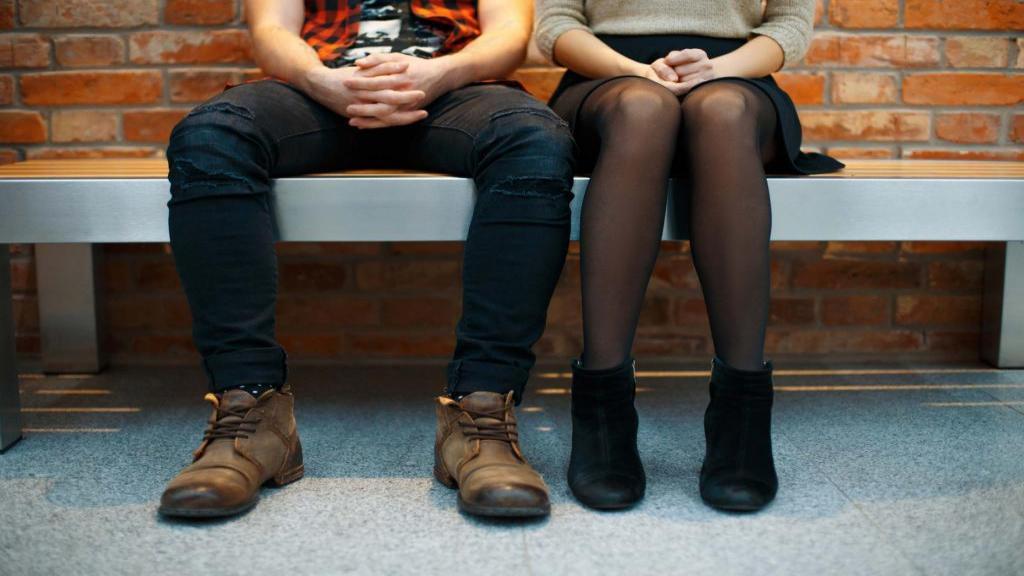 10 نکته مهم برای خرید جوراب شلواری و راه جلوگیری از پارگی آن