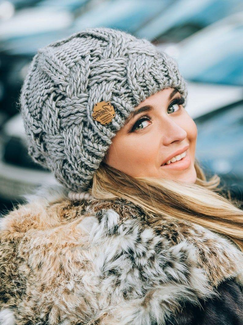 مدل ژورنالی کلاه بافتنی طرح دار دخترانه
