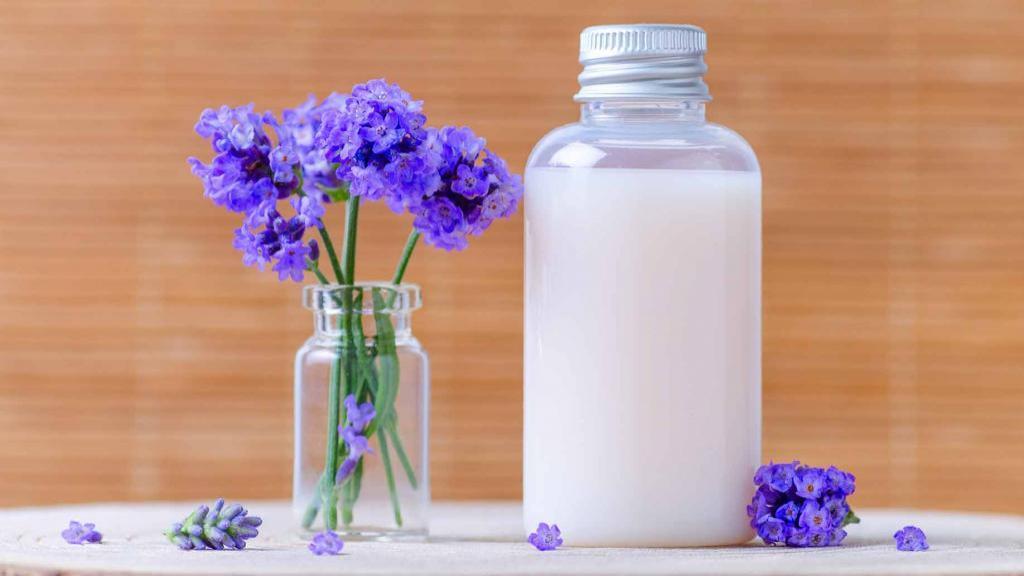 طرز تهیه 3 نوع شامپوی خانگی برای انواع موها با مواد اولیه طبیعی و ارزان