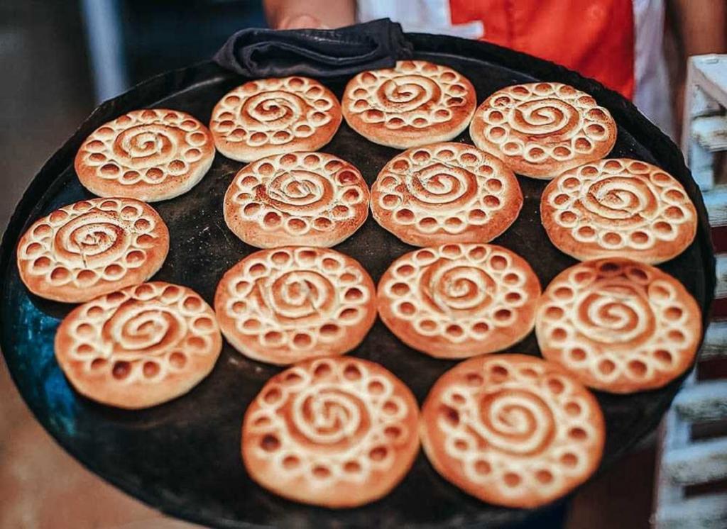 طرز تهیه کلوچه سنتی فومن در خانه