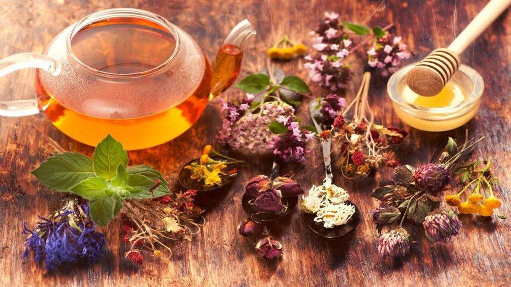 بهترین دمنوش گیاهی برای درمان تیروئید پرکار و گریوز