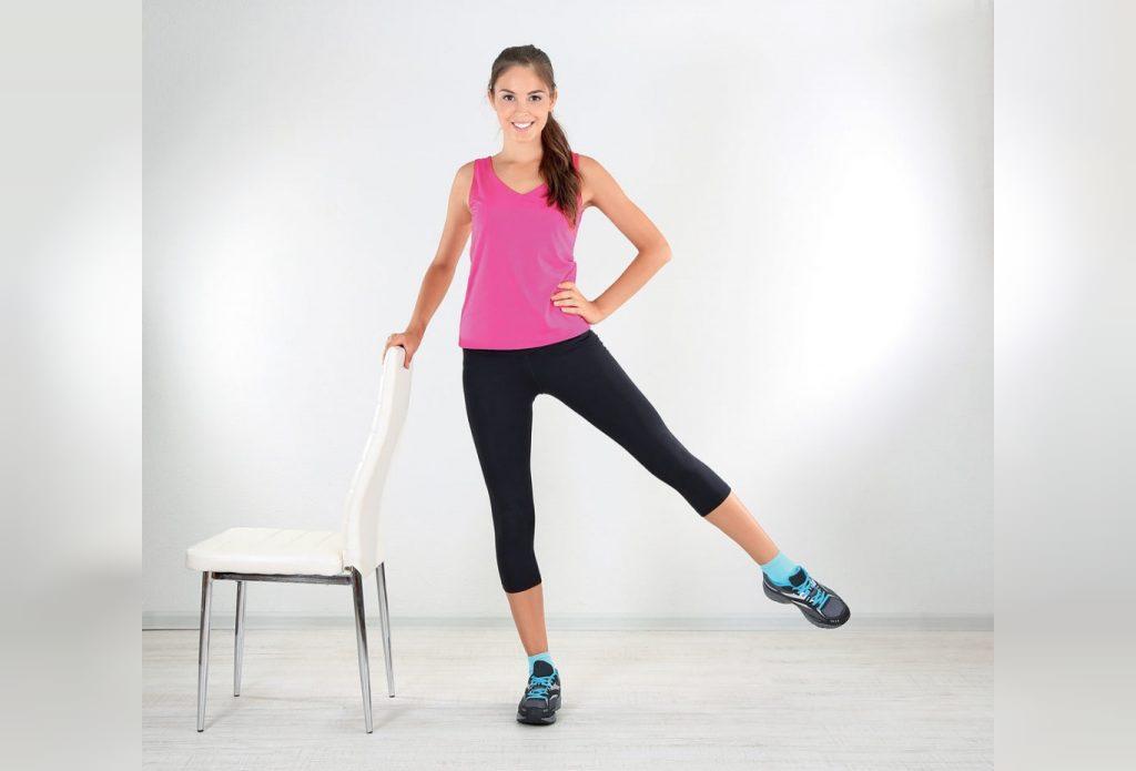 ایستادن روی یک پا تمرینی برای تقویت استخوانها