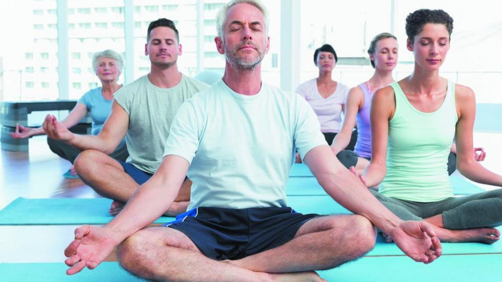 مزایای یوگا برای سلامت روانی و جسمی؛ بهبود کیفیت خواب و زندگی با یوگا