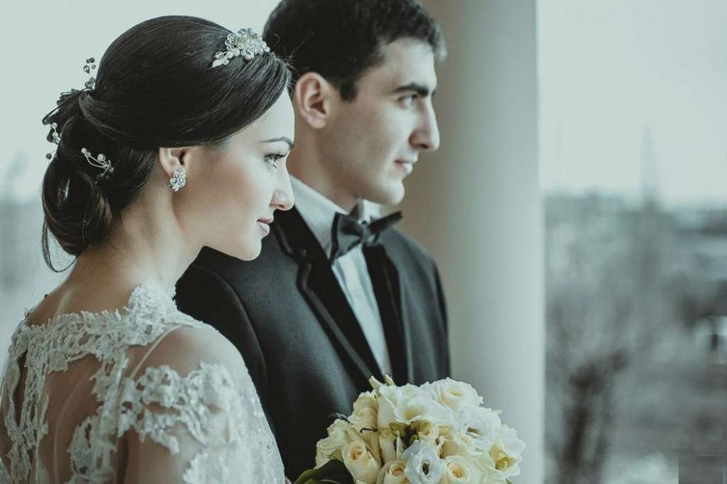 عکس عاشقانه عروس و داماد بدون متن در تالار