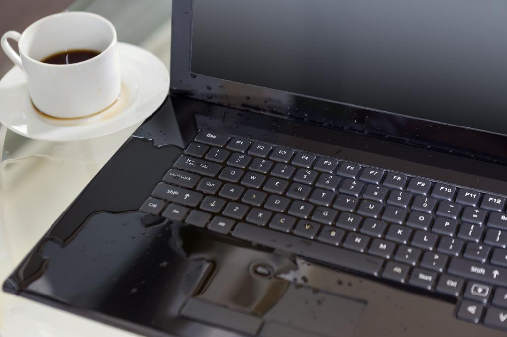 چگونه صفحه کلید لپ تاپ را تمیز کنید