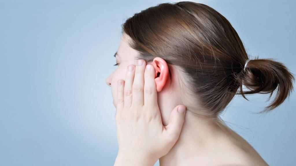 عفونت گوش در بارداری: علائم، علل، درمان خانگی و پزشکی و راه های جلوگیری