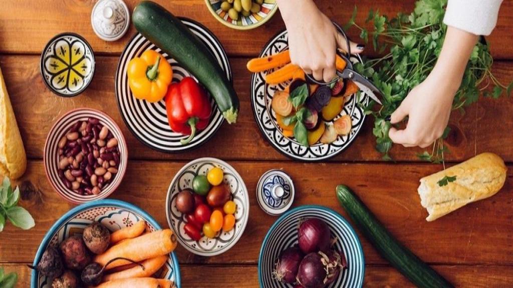 دمنوش ضد استرس؛ غذاها و دمنوش هایی که در زمان استرس می توانید مصرف کنید