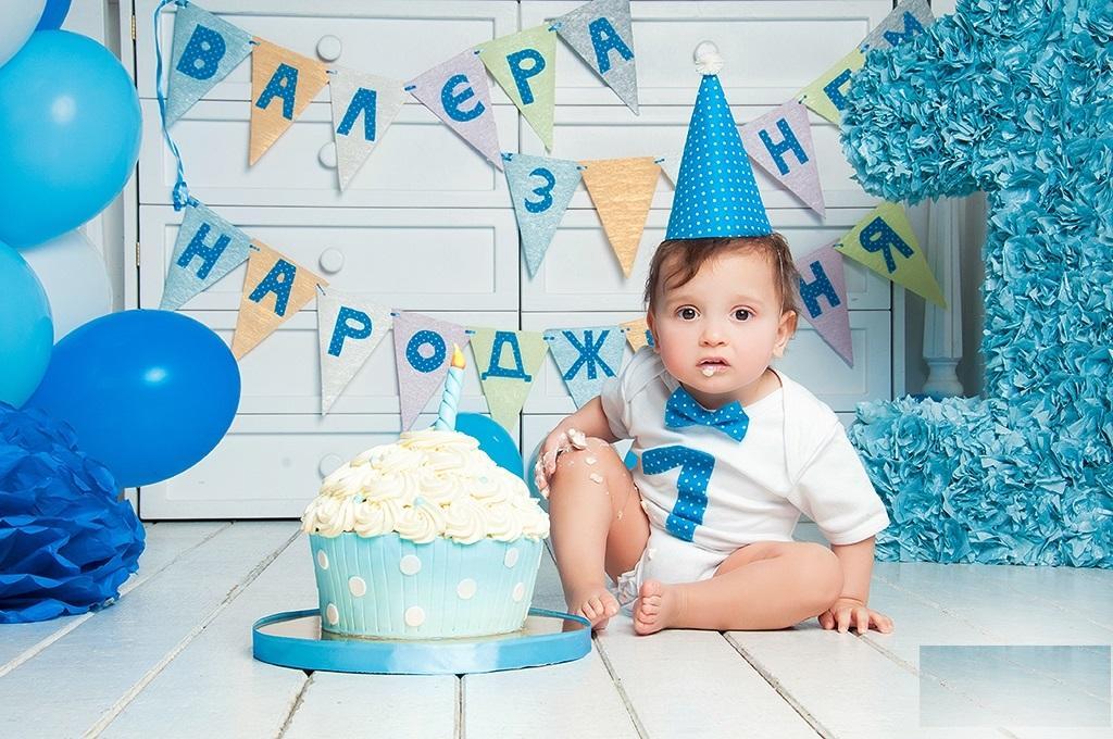 ژست عکس تولد پسرانه