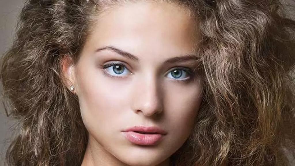 14 ماسک موی عالی خانگی و طبیعی برای صاف کردن موهای مجعد و خشک
