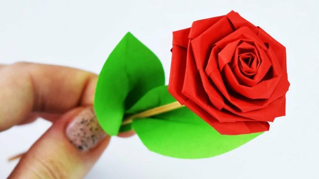 آموزش تصویری ساخت گل رز کاغذی به صورت مرحله به مرحله و ساده