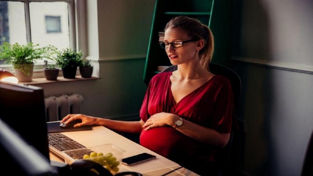 12 نکته کلیدی برای کار در شیفت شب در دوران بارداری + عوارض شب کاری
