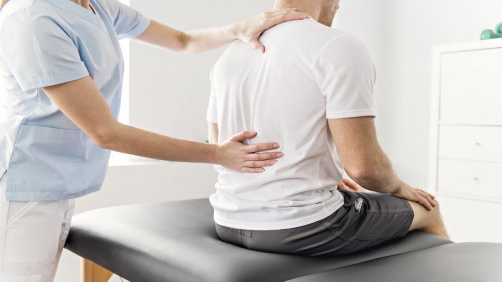 درمان معجزه اسای دیسک کمر با ورزش و حرکات کششی ساده