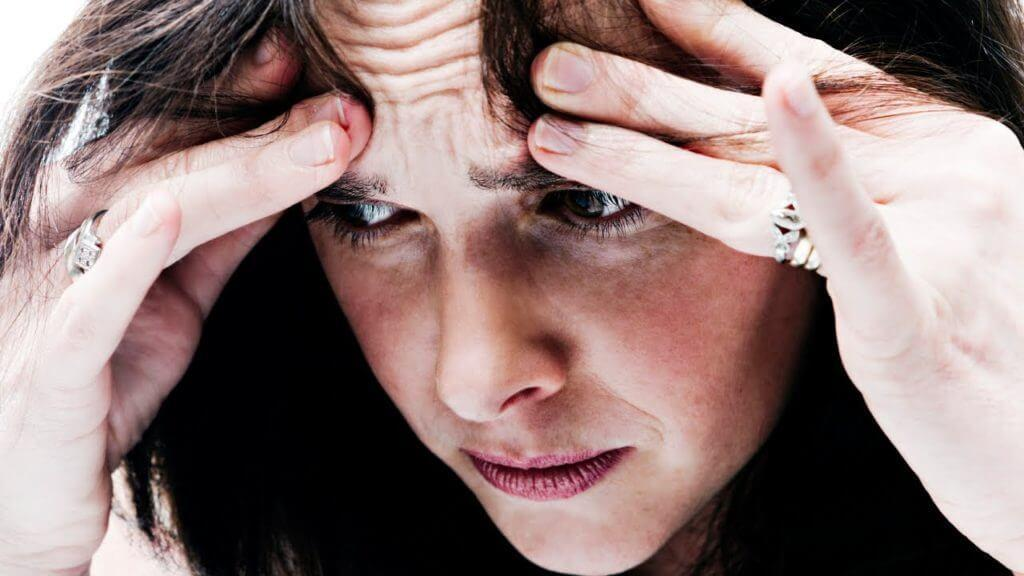رابطه بین استرس و آکنه؛ اثر استرس در بروز جوش چیست؟