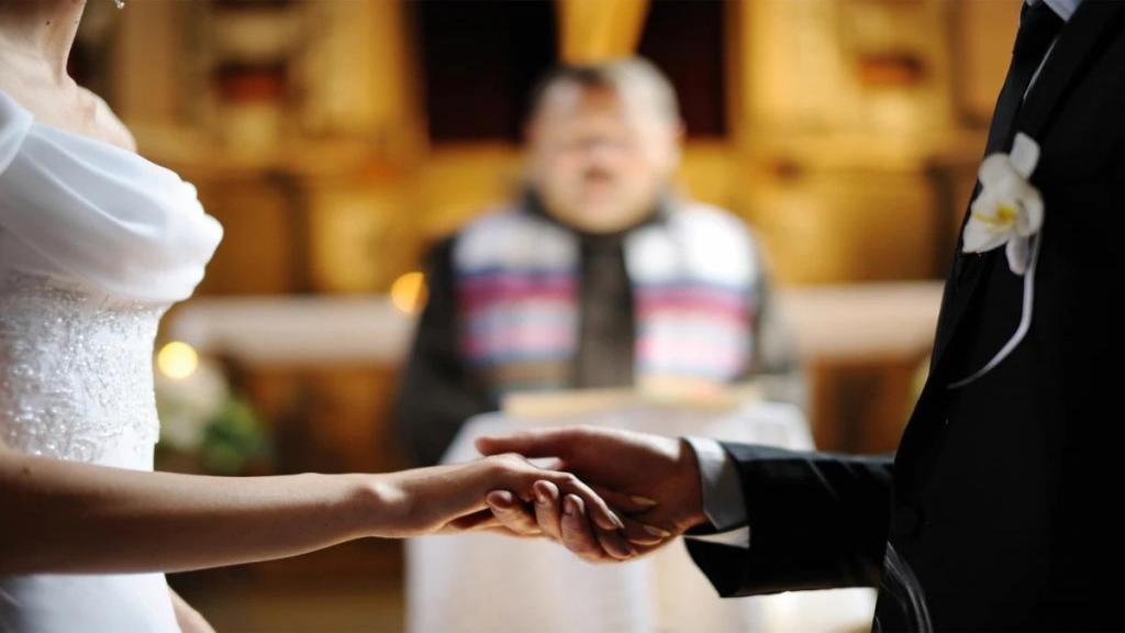 ازدواج در ماه محرم چه حکمی دارد؟