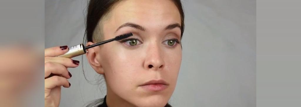 از ریمل بلندکننده مژه استفاده کنید تا چشمان شما بزرگتر به نظر برسند