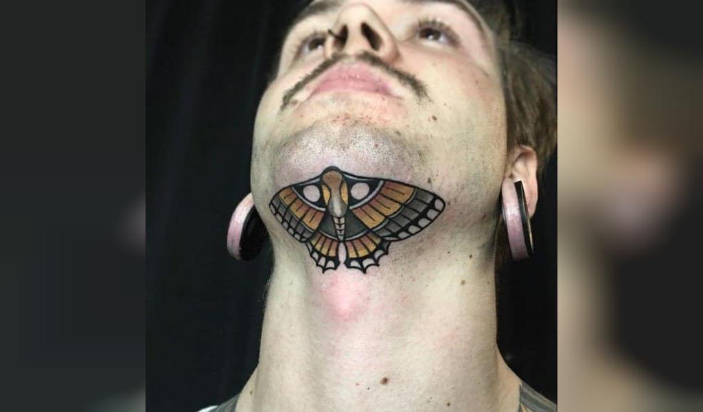 طرح تاتو گردن مردانه پروانه