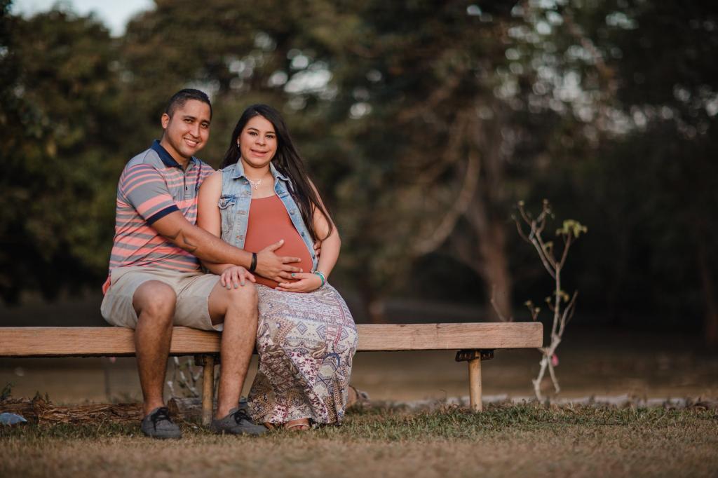 ایده عکس بارداری با همسر