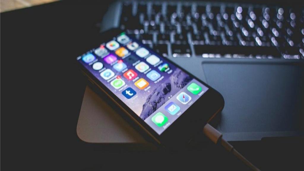 رفع ارور A Device Attached to The System is Not Functioning زمان انتقال فایل از گوشی به کامپیوتر
