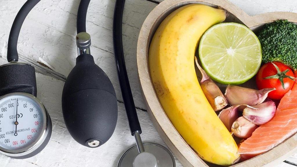 برای کاهش و پایین آوردن فشار خون بالا چه بخوریم