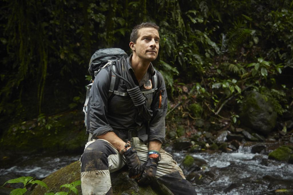 ژست عکاسی مردانه در جنگل