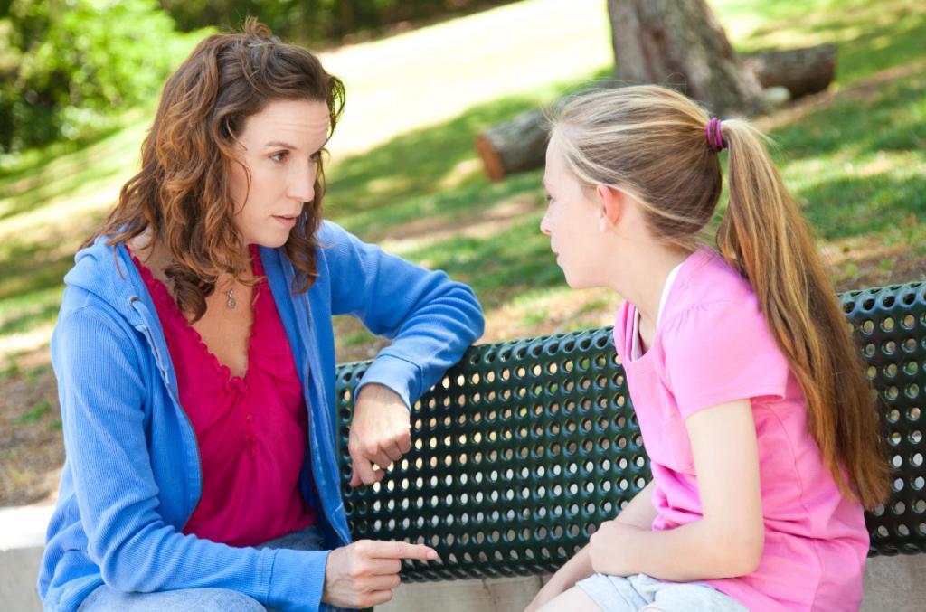 چگونه پریود را برای دخترتان توضیح دهید؟