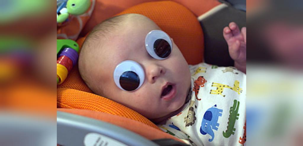 آیا خوابیدن کودک با چشمان باز برای او مضر است؟