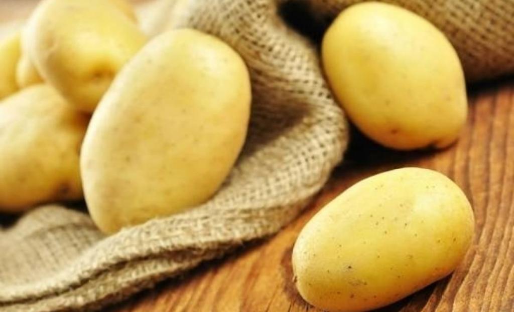 طرز تهیه سیب پلو کرمانشاهی با شوید و بدون گوشت
