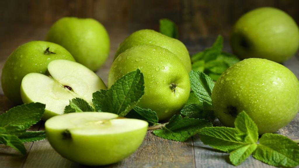 27 خاصیت سیب سبز برای سلامتی، پوست و مو؛ خواص آب سیب سبز