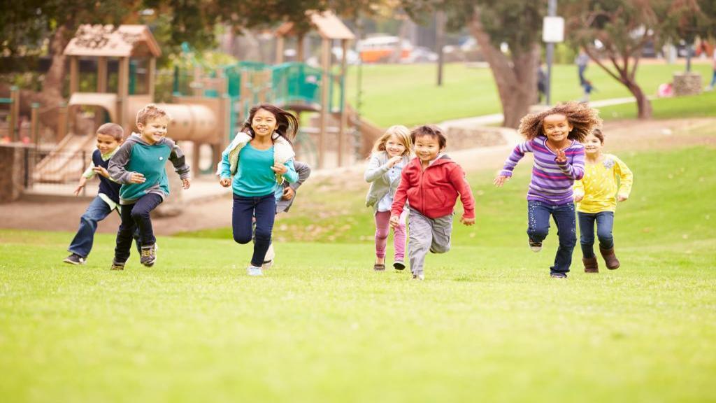 6 دلیلی که بازی کردن در فضای بیرون برای کودکان مفید است