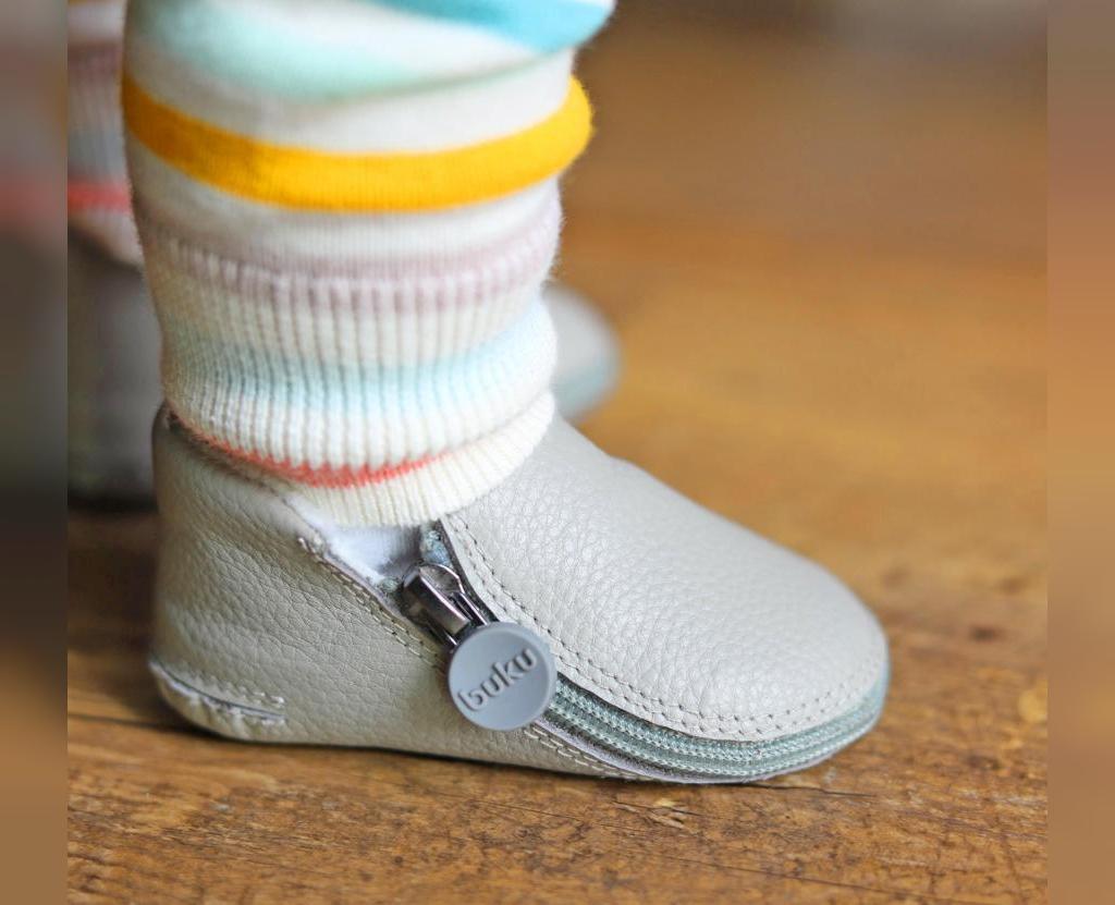 راهنمای خرید اولین کفش برای کودک