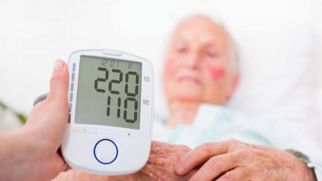 درمان اورژانسی فشار خون بالا در خانه با 4 نکته ساده و سریع