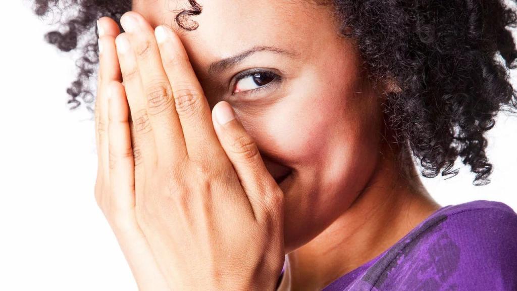 تفاوت بین درون گرایی، خجالتی بودن و اضطراب اجتماعی چیست؟